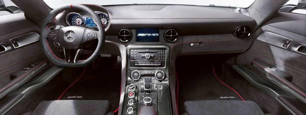 салон Mercedes-Benz SLS AMG Black Series 2014
