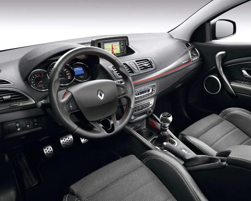 салон Renault Megane Estate GT 220 2013