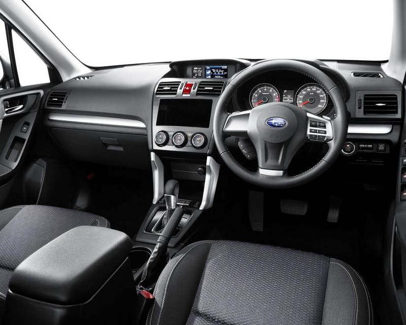 салон Subaru Forester 2013 года