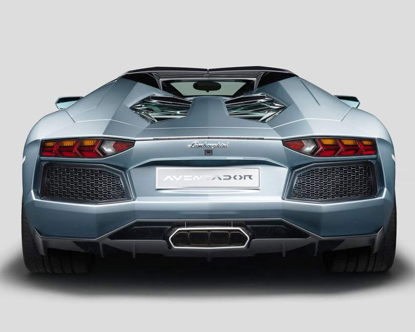 задние фонари Lamborghini Aventador LP700-4 Roadster 2014