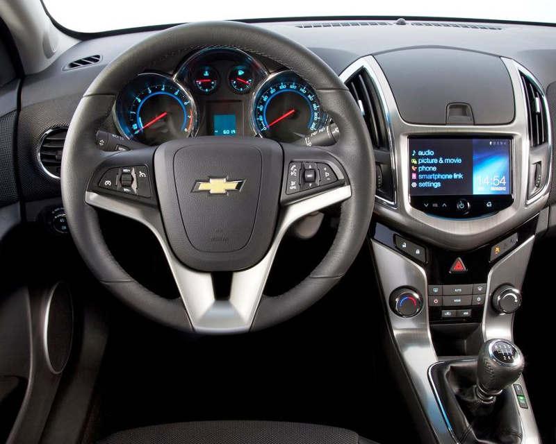 Интерьер Chevrolet Cruze 2013
