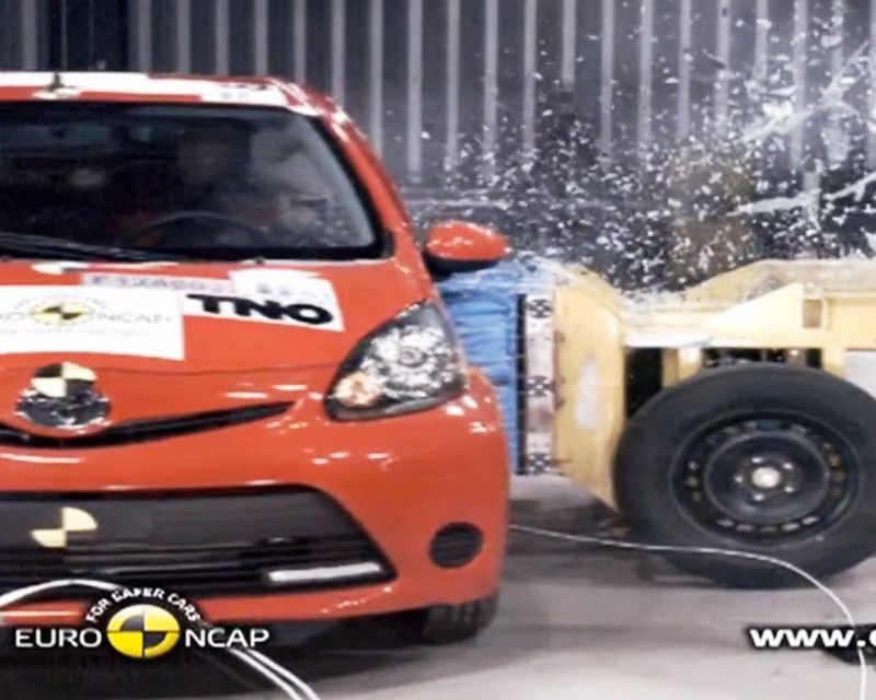 краш-тест Toyota Aygo видео