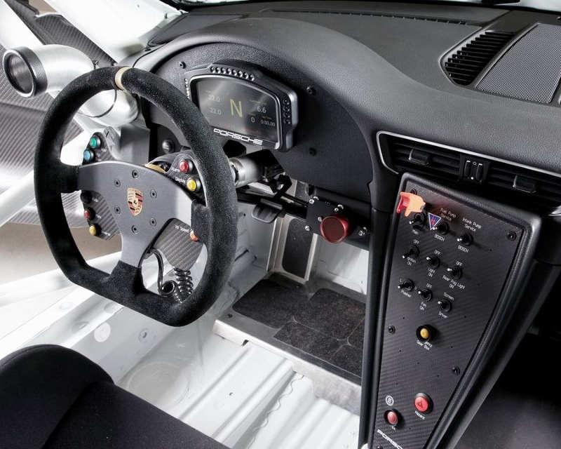 салон Porsche 911 GT3 Cup 2013