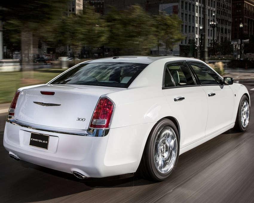 задняя часть Chrysler 300 Motown Edition 2013
