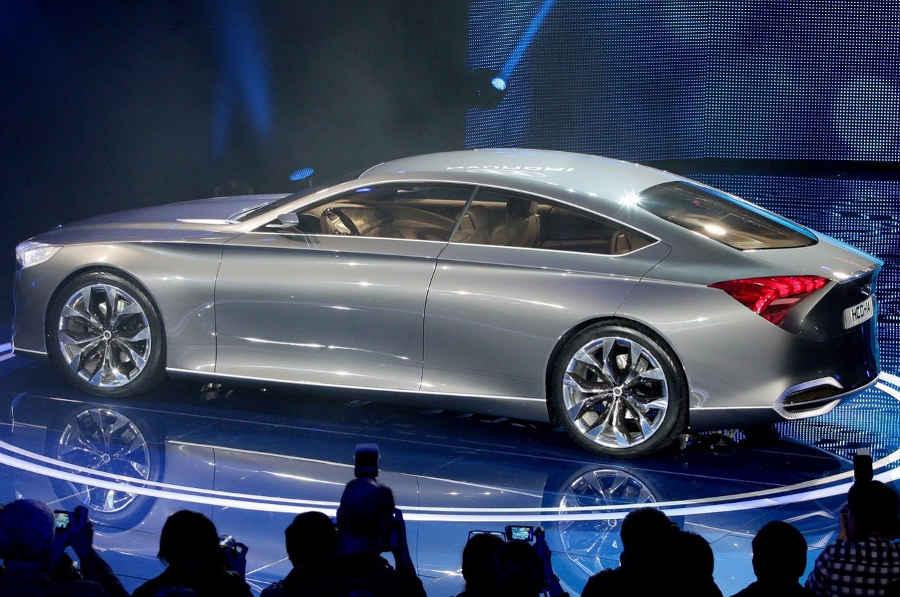 фото Hyundai HCD-14 Genesis 2013 сбоку
