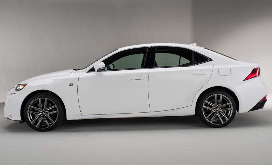 фото Lexus IS 2014 сбоку