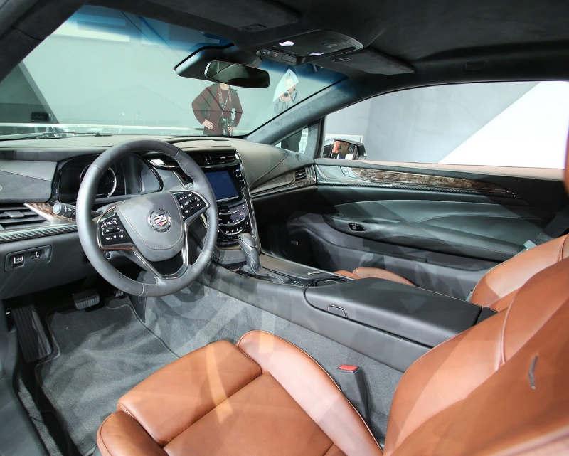 интерьер Cadillac ELR 2014