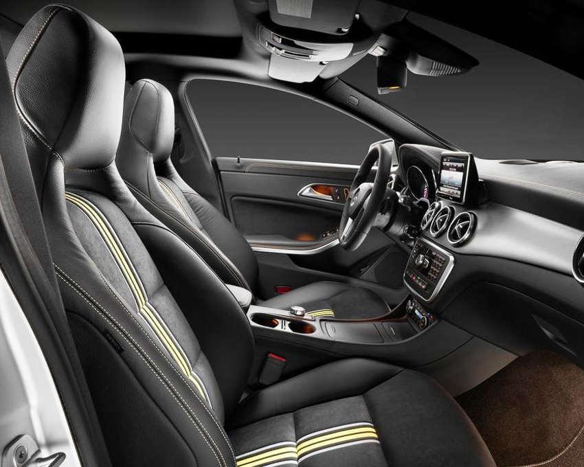 интерьер Mercedes CLA-Class 2014