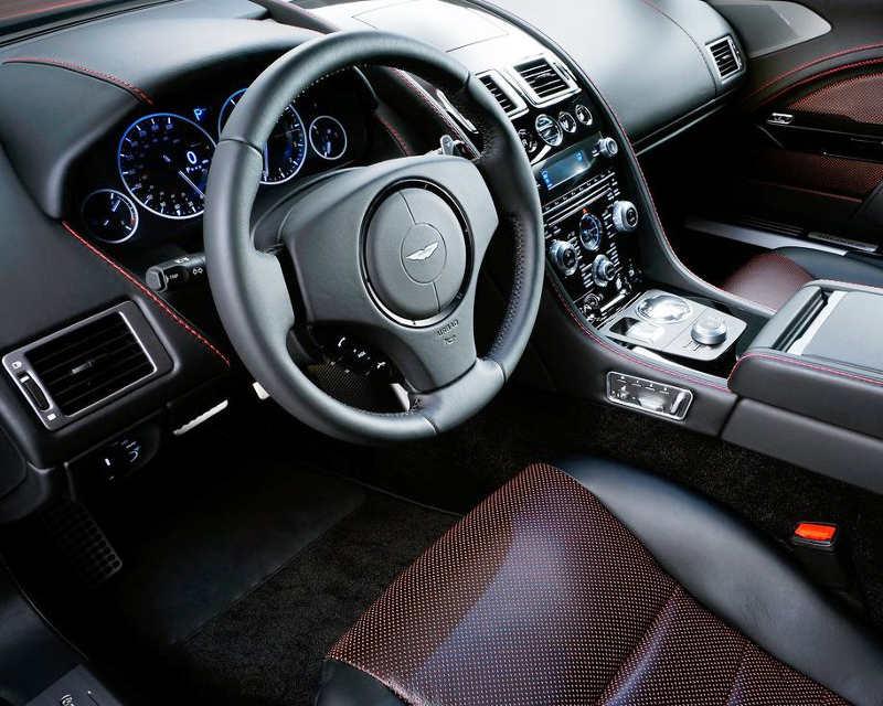салон Aston Martin Rapide S 2014