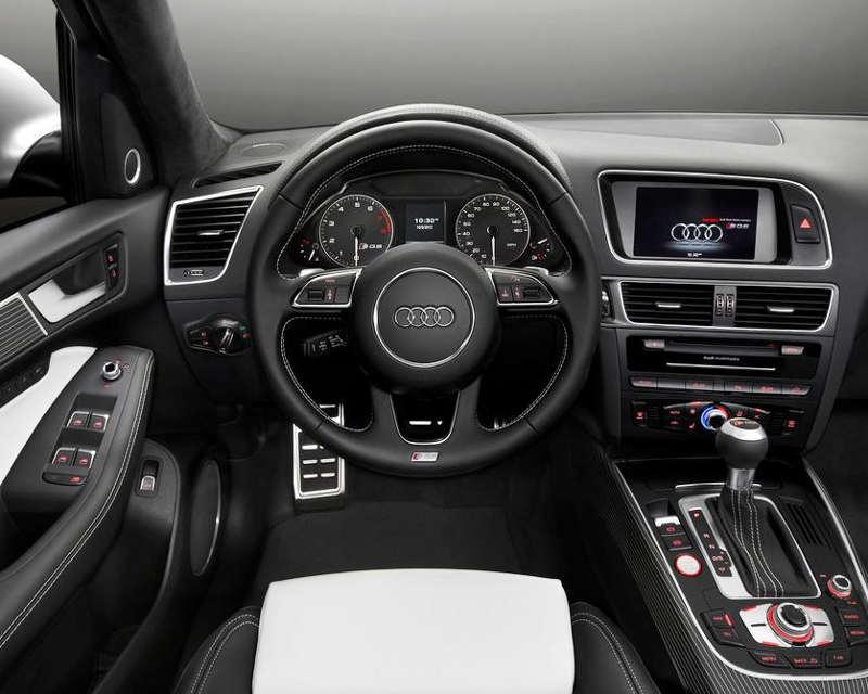 салон Audi SQ5 3.0 TFSI 2014