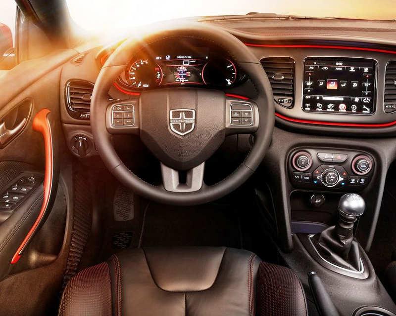 салон Dodge Dart GT 2013