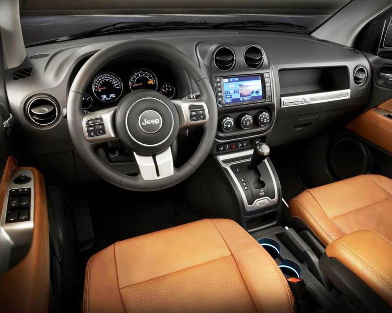 салон Jeep Compass 2014