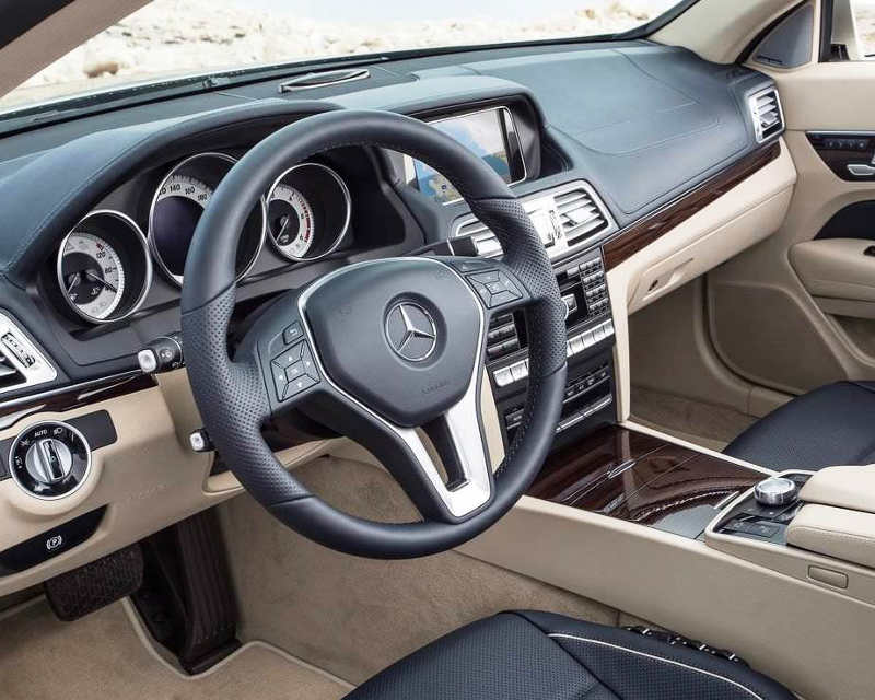 салон Mercedes E-Class Cabriolet 2014