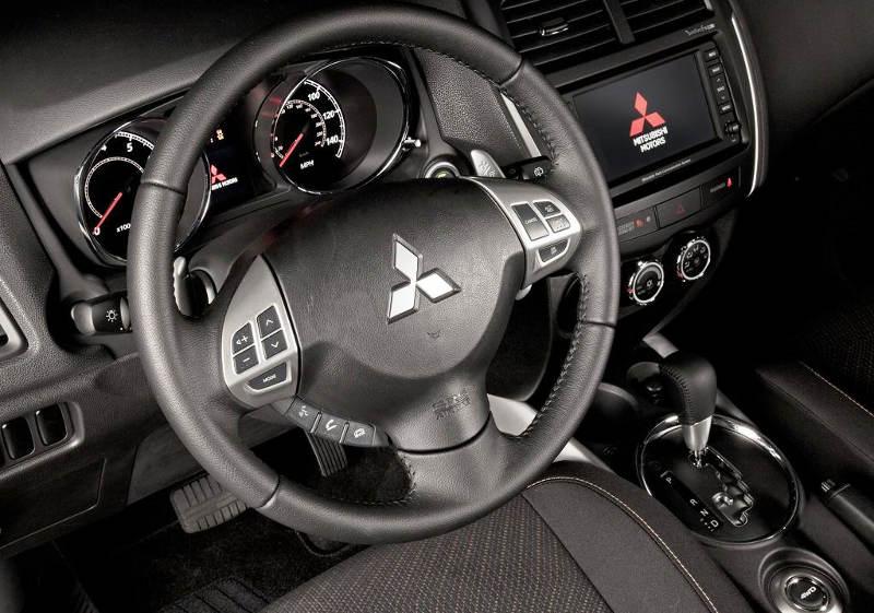 салон Mitsubishi ASX 2013