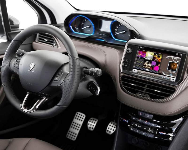 салон Peugeot 2008 2014