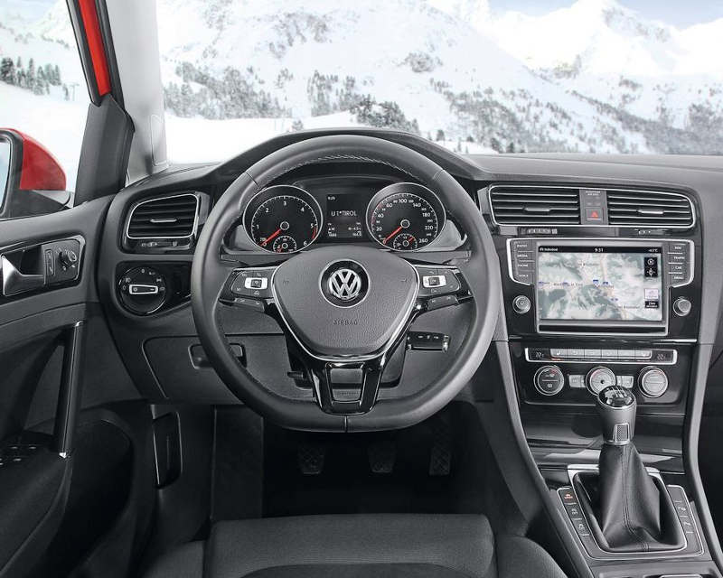 салон Volkswagen Golf 4Motion 2014