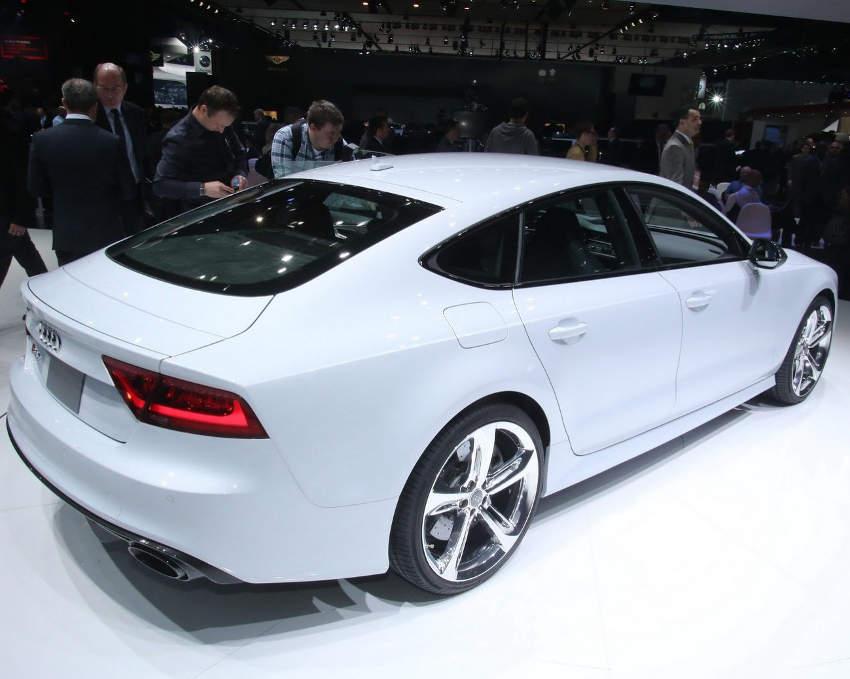 задняя часть Audi RS7 Sportback 2014