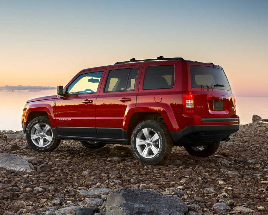 задняя часть Jeep Patriot 2014 года
