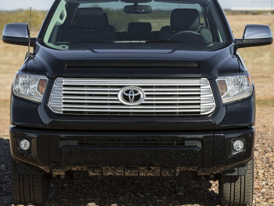 фары и бампер Toyota Tundra 2014