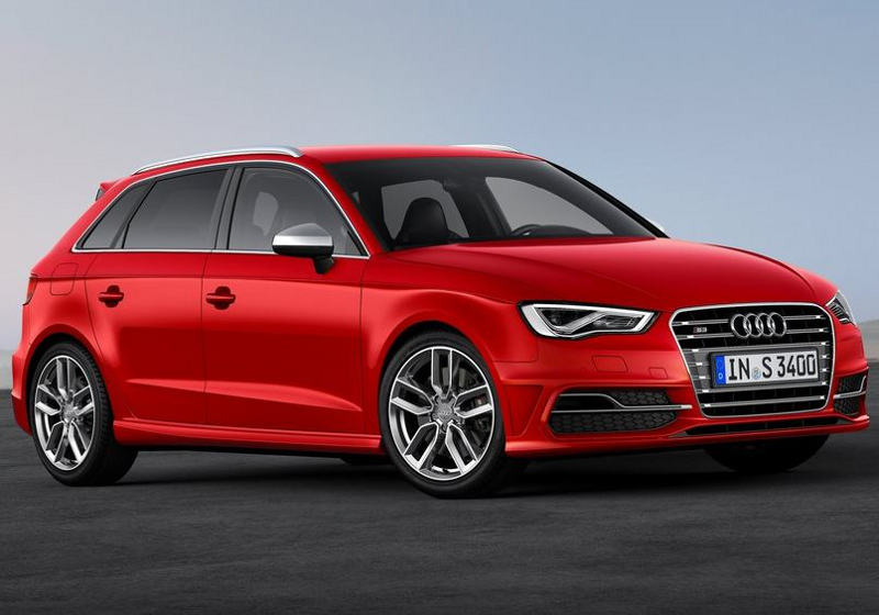 фото Audi S3 Sportback 2014 сбоку