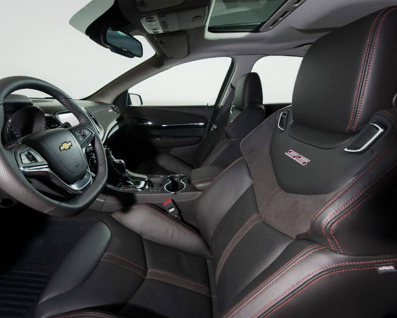 интерьер Chevrolet SS 2014 года
