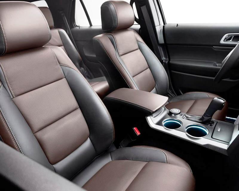 интерьер Ford Explorer Sport 2013