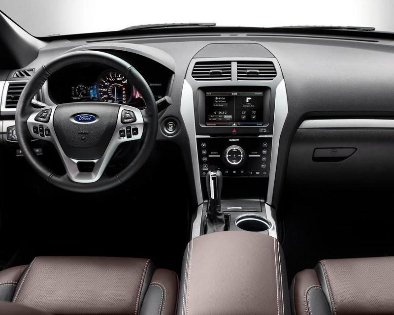 салон Ford Explorer Sport 2013
