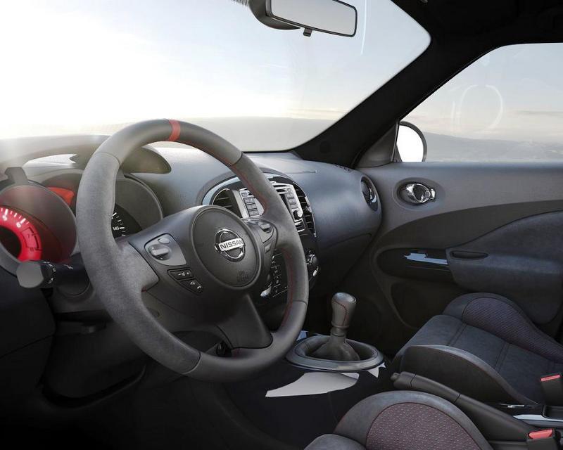 салон Nissan Juke Nismo 2013