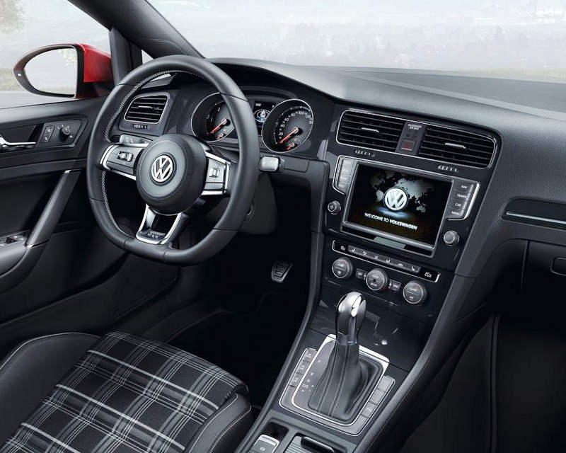 салон Volkswagen Golf GTD 2014