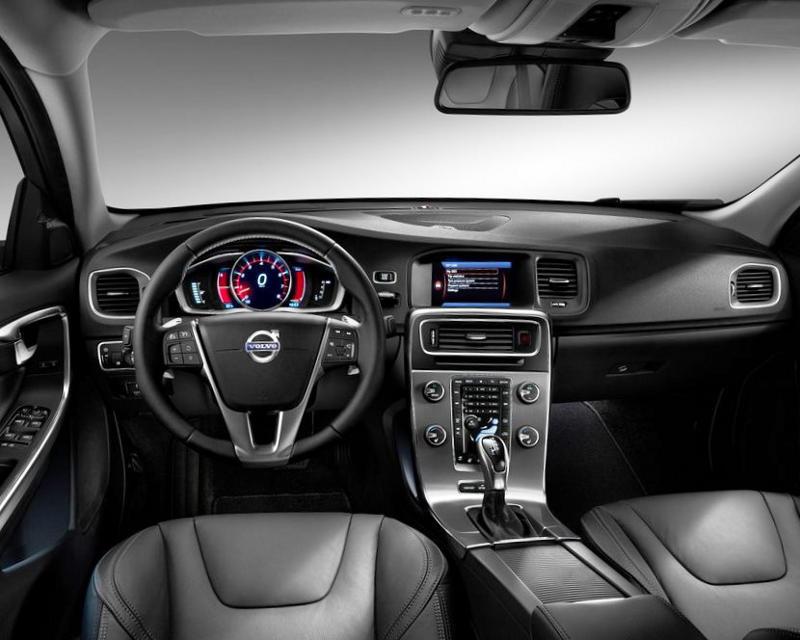 салон Volvo S60 2014