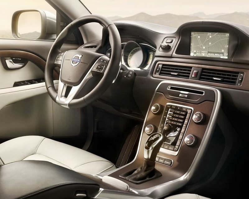 салон Volvo XC70 2014