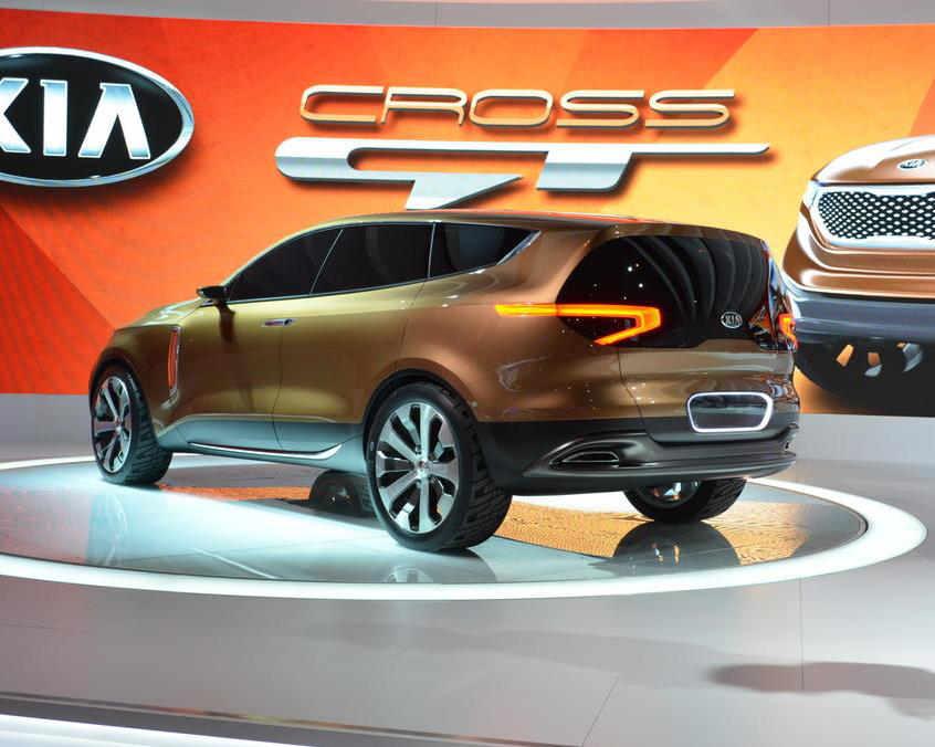 задняя часть концепта Kia Cross GT 2013