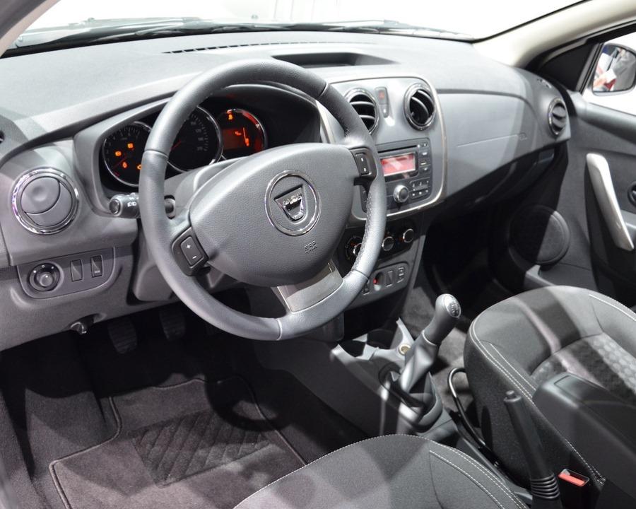 салон Dacia Logan MCV 2014