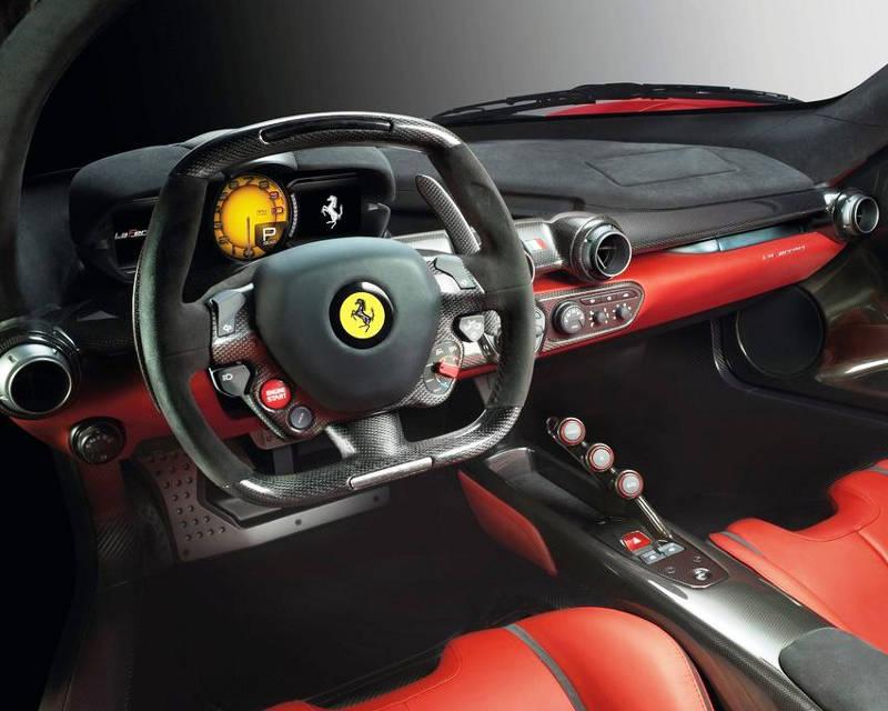 салон Ferrari LaFerrari 2014