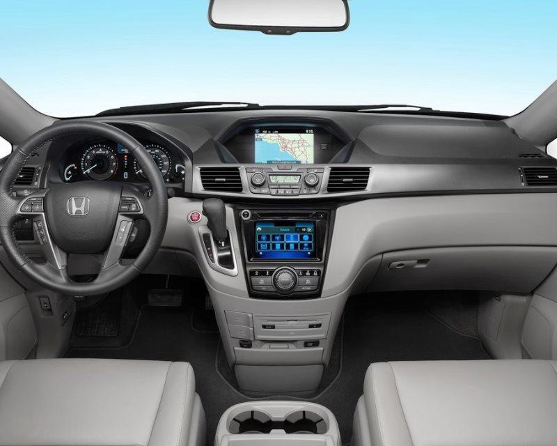 салон Honda Odyssey 2014