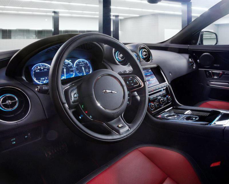 салон Jaguar XJR 2014