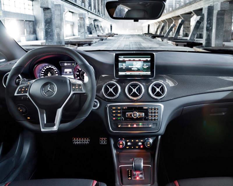салон Mercedes CLA 45 AMG 2014