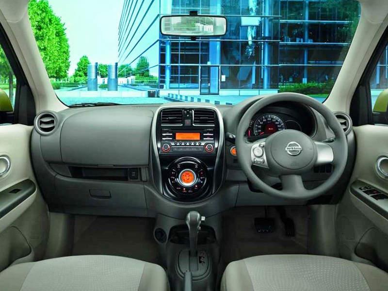 салон Nissan Micra 2014