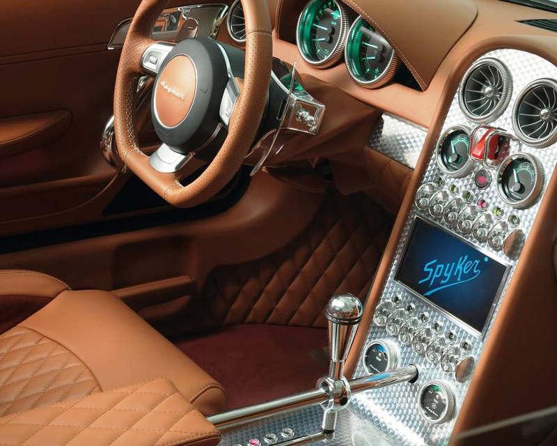 салон Spyker B6 Venator Concept 2013