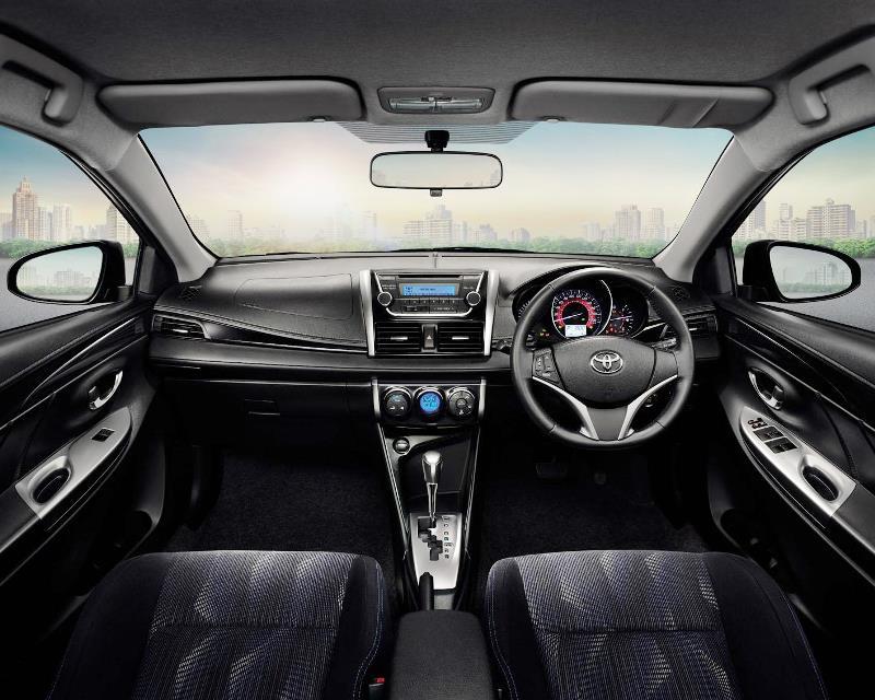 салон Toyota Vios 2014