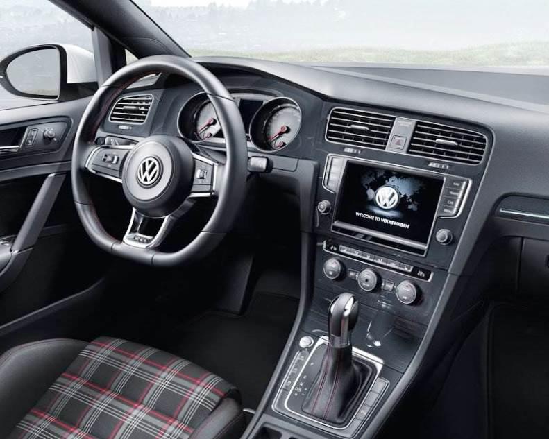 салон Volkswagen Golf GTI 2014