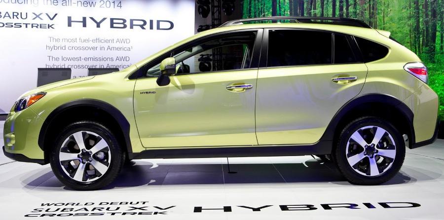 фото Subaru XV Crosstrek Hybrid сбоку
