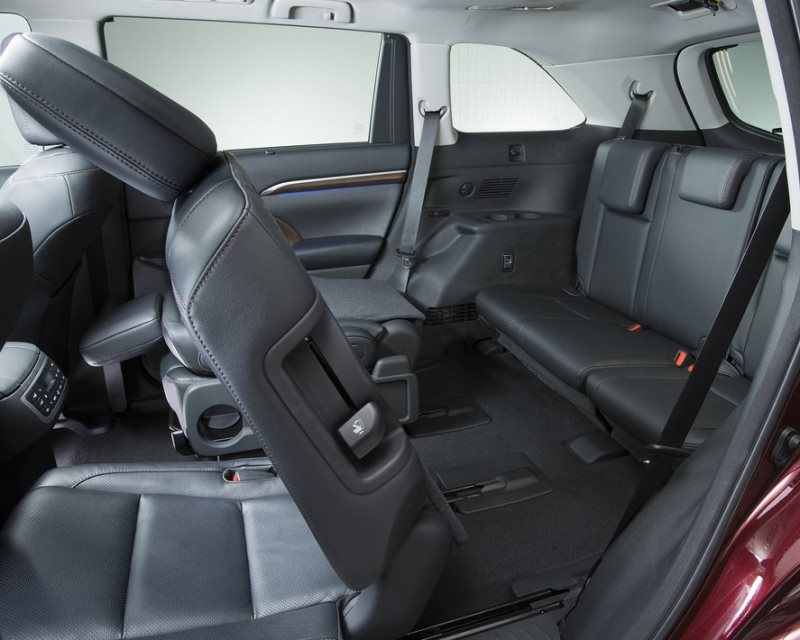 интерьер Toyota Highlander 2014
