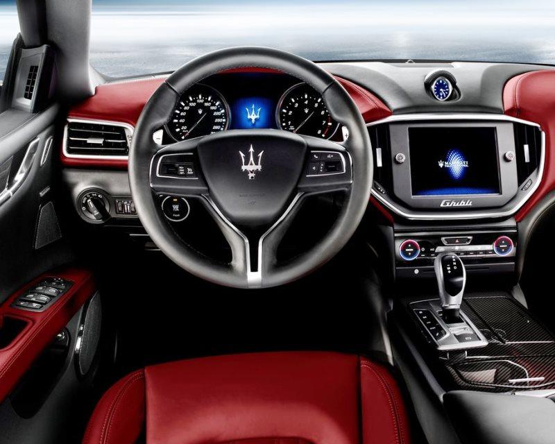салон Maserati Ghibli 2014
