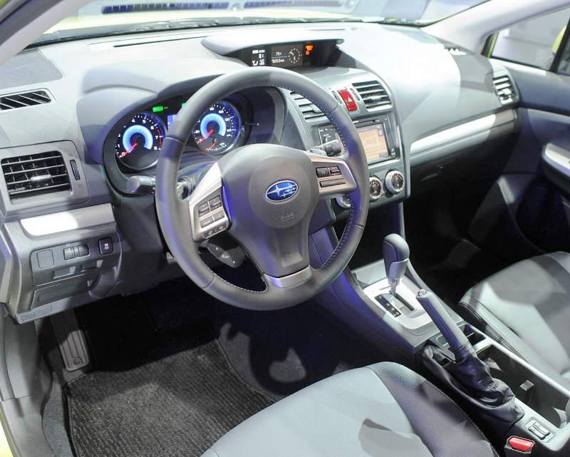 салон Subaru XV Crosstrek Hybrid