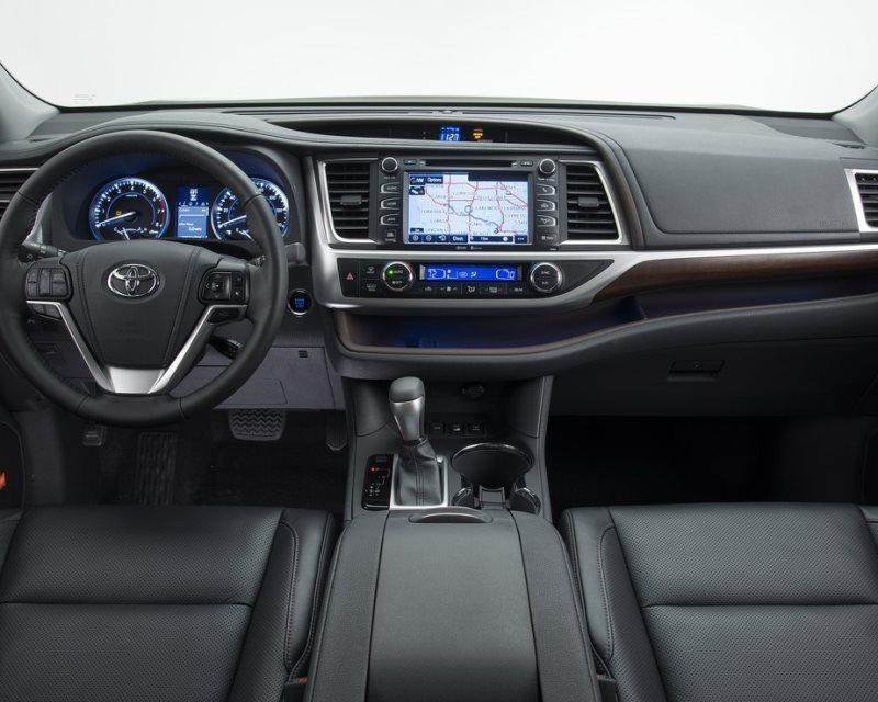 салон Toyota Highlander 2014