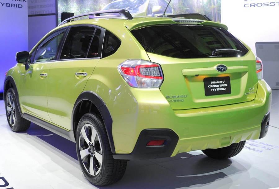 задние фонари Subaru XV Crosstrek Hybrid 2014