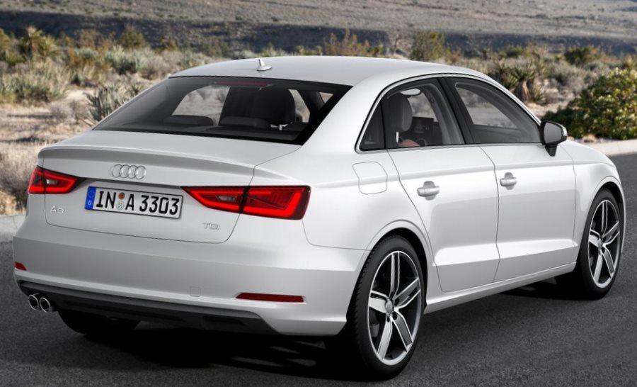 задняя часть Audi A3 Седан 2014
