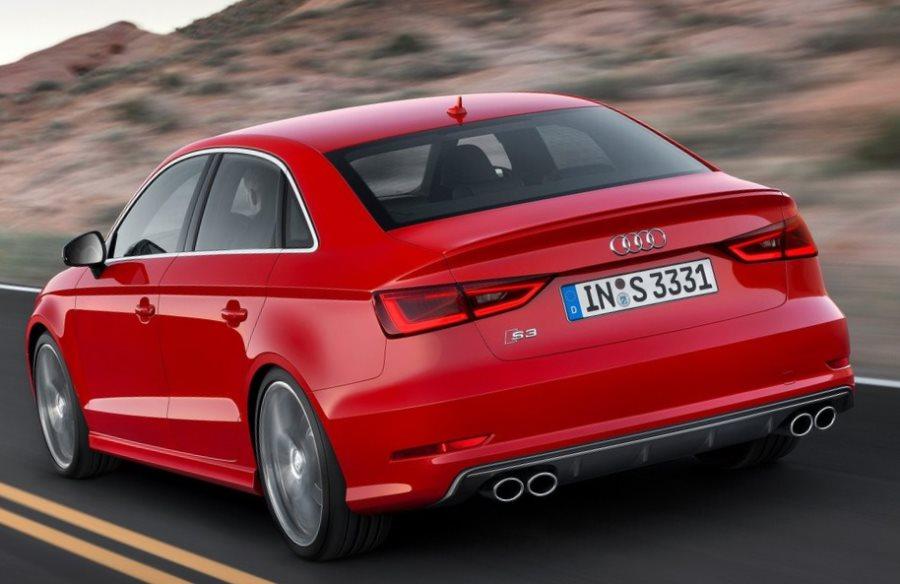задняя часть Audi S3 Sedan 2014