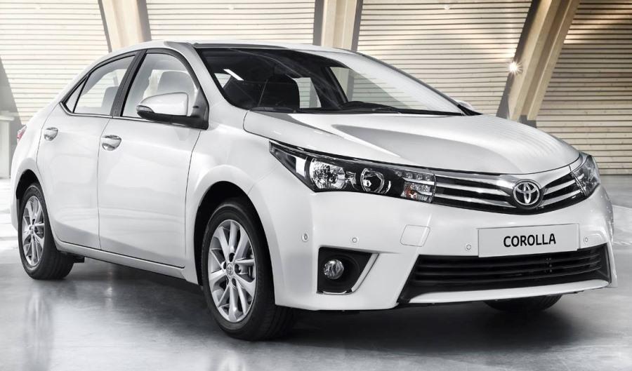 бампер и фары Toyota Corolla 2014